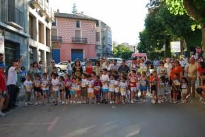 Los más pequeños tomaron la salida en El Coso. Foto JLP.