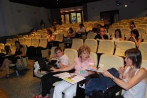 """Asistentes al curso """"El antes y después de la comunicación"""". Foto JLP."""