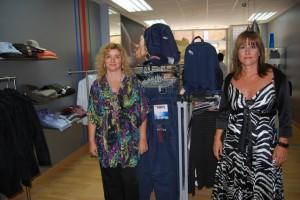 Marisa Mur y Magali Santiesteve, propietarias de la tienda. Foto JLP.