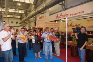 La Ronda de Boltaña llevó su música a Ferma. Foto JLP.