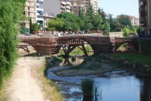 Río Sosa y el Puente Viejo al fondo. Foto JLP.