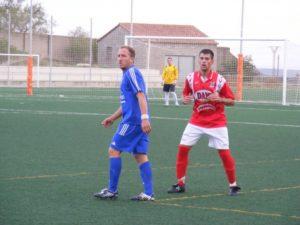 Dioni en el partido contra el Alcampell. Foto Ángel Huguet.