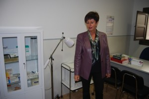 Luisa María Noeno, en el consultorio de Azlor. Foto JLP.