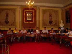 Concejales del Ayuntamiento de Barbastro durante un pleno. Foto R.S.