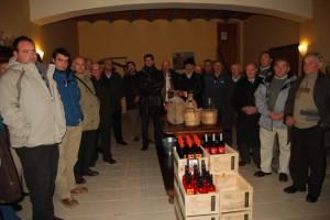 Los viticultores monegrinos en Bodega Fábregas. Foto JLP.