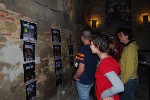 Exposición de portadas de Ronda Somontano en el Almacén de Ideas. Foto JLP.