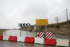 Carretera cortada de Barbastro a Berbegal.
