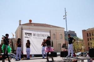 Actuación de Divertimento en Monzón. Foto JLP.