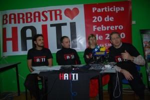 Miembros del Consejo de la Juventud y Santiago Lisa, concejal de Juventud. Foto JLP.