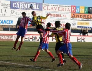 El Tauste goleó al Barbastro. Carlos Marco.