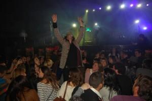 El cantante de Sidonie cantó ante el público. JLP.