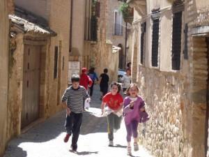 Por las calles de Alquézar. C.G.