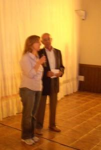 La profesora y directora teatral, Mariángeles Oliván y el autor de la obra, Luciano Puyuelo.