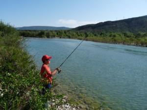 Los más pequeños disfrutaron de una jornada de pesca. C.G.