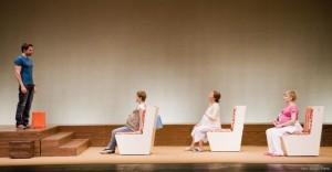 La obra de teatro Tres. Sergio Parra.