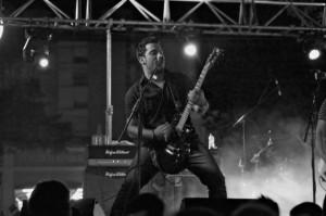 El guitarrista de Sinequanum.