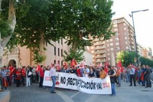 Cabeza de la manifestación en Monzón. JLP.