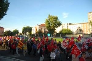 Unas 500 personas en las calles de Monzón. JLP.