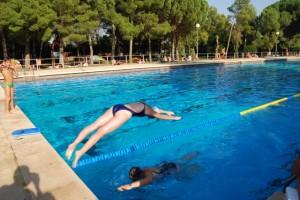 Los nadadores de Airon Club en plena competición. JLP.