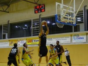 Villacampa doblde doble(15+14 rebotes).