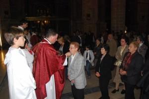 Numeroso público acudió a la eucaristía. JLP.
