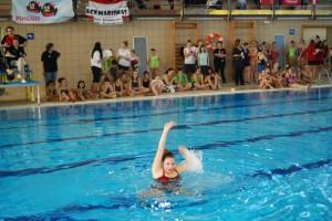 Una nadadora durante un ejercicio. JLP.