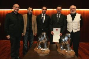 Monesma, Pano, Betorz, Solana y Monesma junto a los galardones. Javier Blasco.