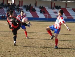 Fran Suárez revolucionó el partido en su regreso. C.M.
