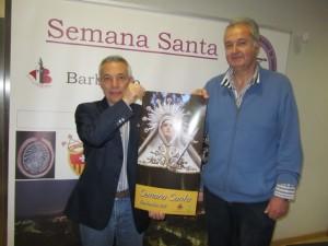 Jesús Gracia con el autor del cartel. JLP.