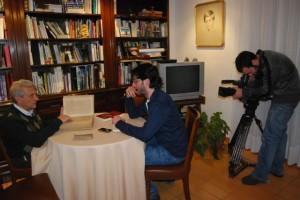 Un momento de la entrevista a Ángel Gari. JLP.
