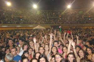 Una instantánea del público en el concierto de Melendi, el pasado sábado. Foto: JLP.