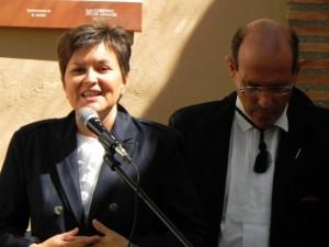 Elisa Sanjuán en la inauguración del multiservicios de El Grado.