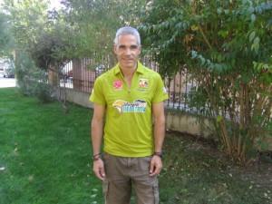 Javier Subías con la camiseta de la prueba. JLP.