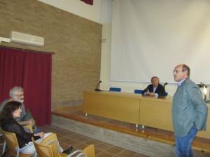Auset abrió la primera conferencia de Costa en Fonz. JLP.