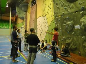 Una sesión de escalada en Barbastro.