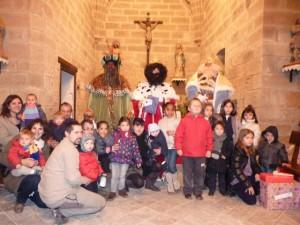 Los niños de Buera con los Reyes Magos. Pilar Rivera.