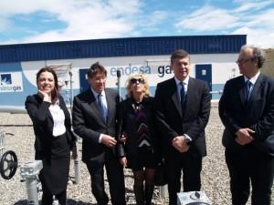 El consejero de Industria, la alcaldesa y el consejero de Endesa. José Luis Pano.
