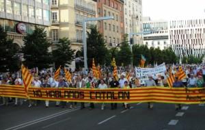 Manifestación contraría al catalán en Zaragoza.