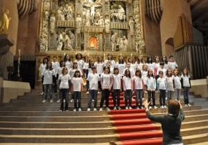Skola Coro de Barbastro en Torreciudad.
