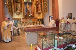 Misa de consagración del altar y las reliquias de los mártires. José Luis Pano.