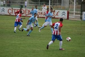 Edu Ruiz abrió el marcador en los primeros minutos. Carlos Marco.
