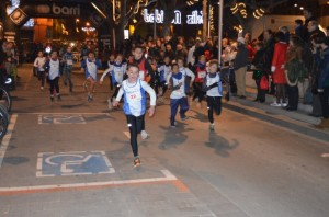 Los más pequeños corrieron por el Coso. JLP.