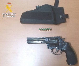 RondaSomontano_Revolver
